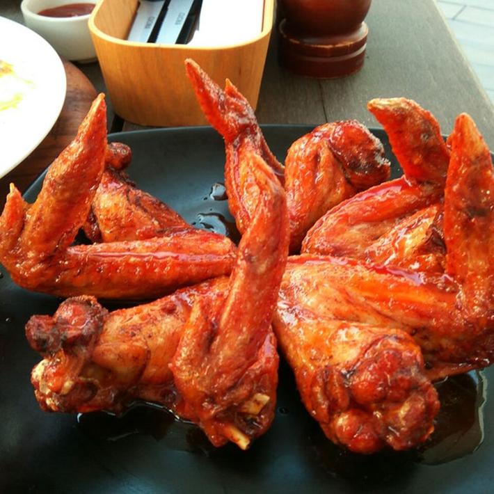 Kontiki Buffalo Wings