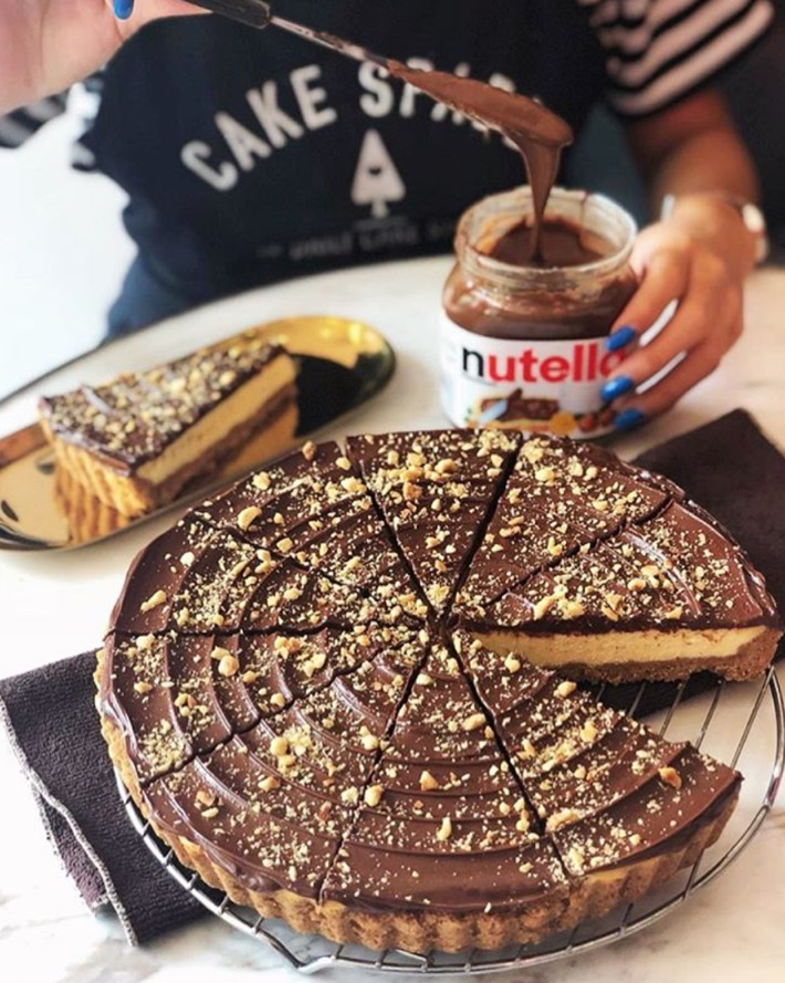 CAKE SPADE NUTELLA CHEESECAKE COOKIE TART SLICES