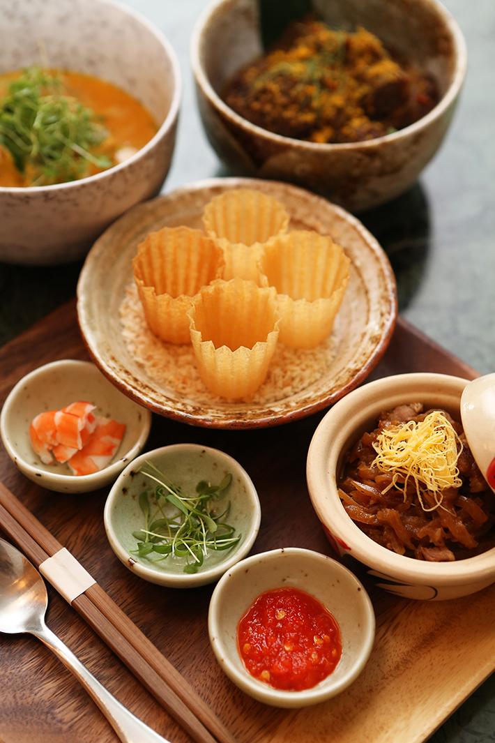 Candlenut Kueh Pie Tee