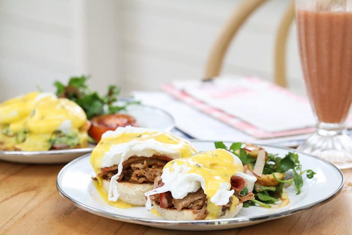 Panama Kitchen Eggs Benedict