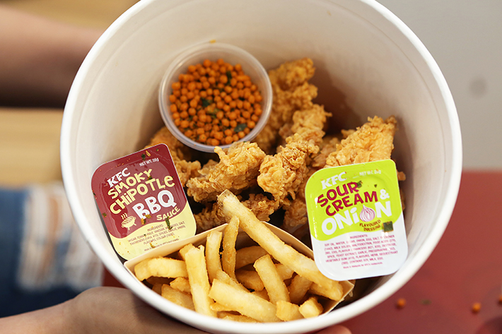 KFC Festive Bucket