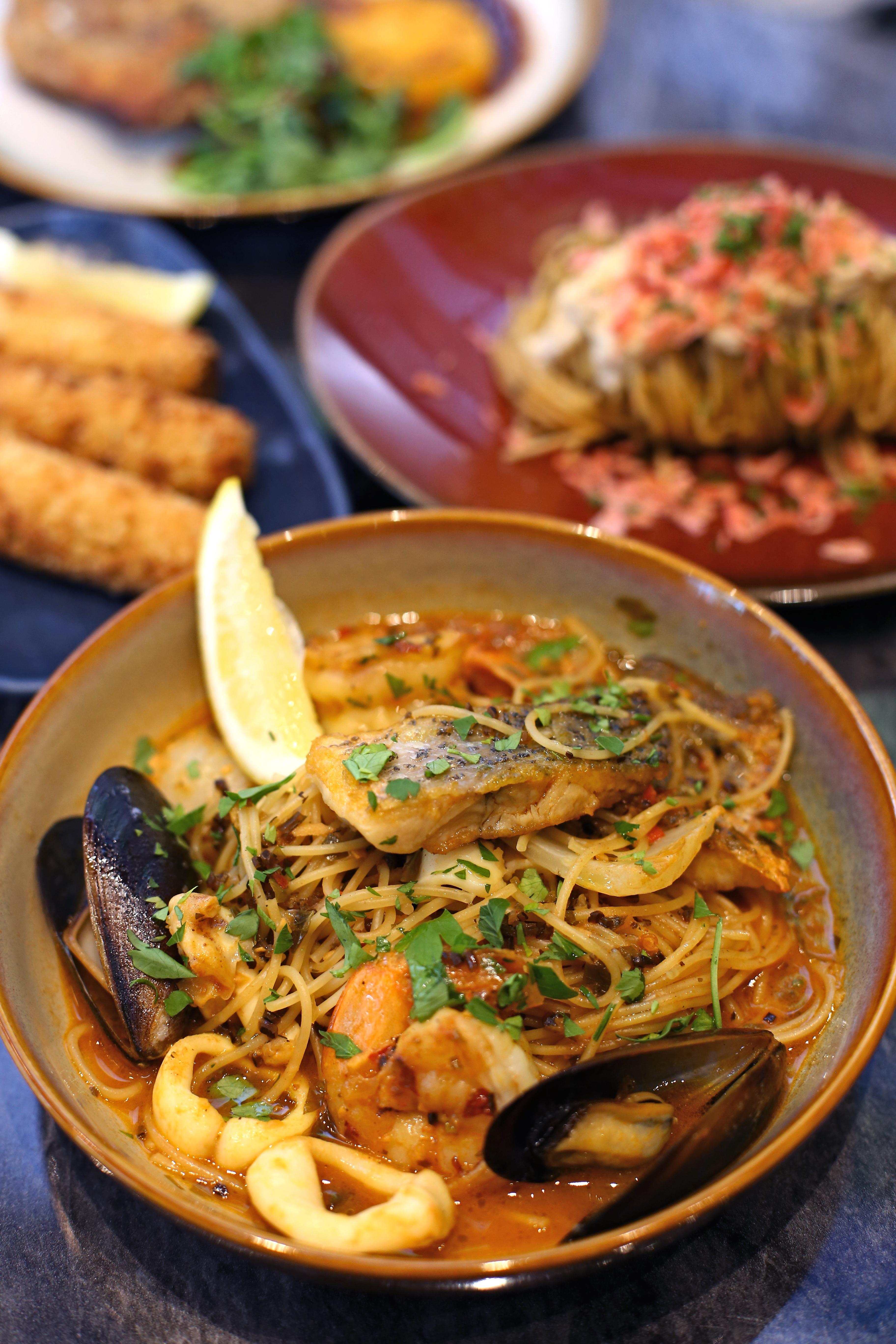 FrapasBar Seafood Bouillabaisse