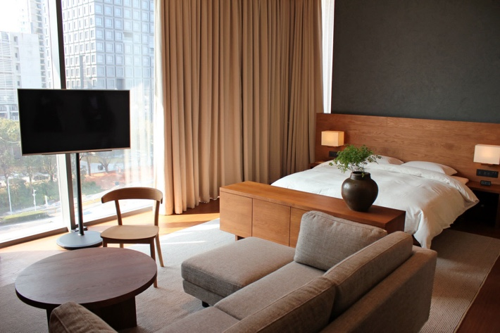 https___s3-ap-northeast-1.amazonaws.com_psh-ex-ftnikkei-3937bb4_images_6_2_9_6_11696926-2-eng-GB_0119N-Muji-hotel
