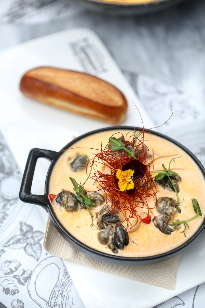 ARTEASTIQ SPICY ESCARGOT