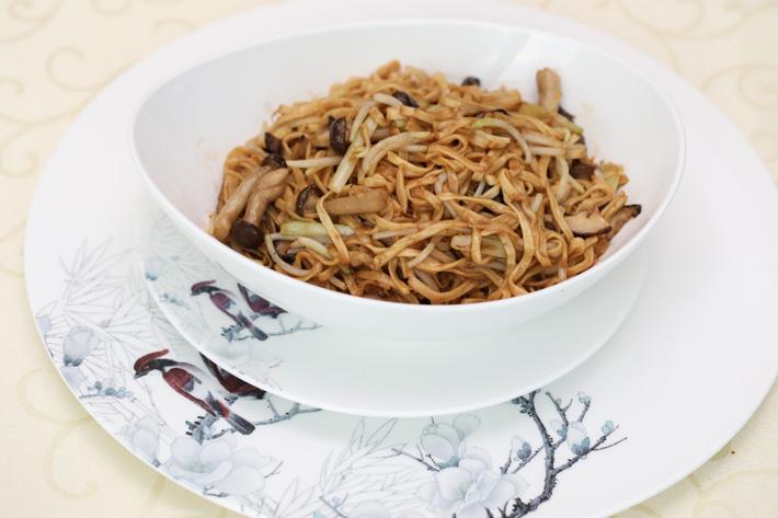 Dragon Bowl Ee Fu Noodles