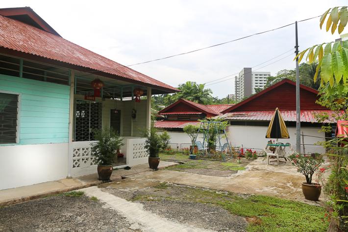 KAMPONG BUANGKOK HOUSES