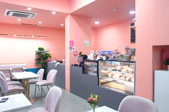 Interior Pink Whiskit Bakery & Cafe