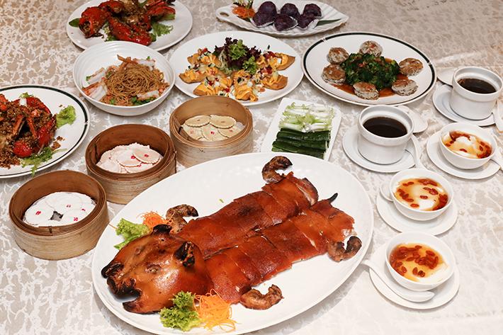 Si Chuan Dou Hua Suckling Pig Feast