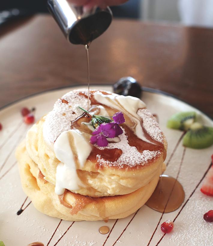 Souffle Pancake Cafe De Nicole's Flower