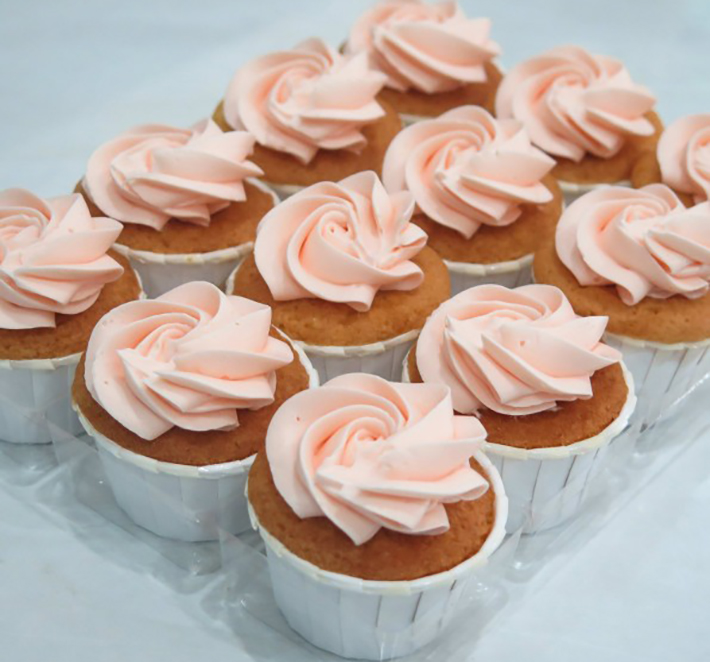 Vanilla-Lychee-Mini-Cupcakes frosted chick