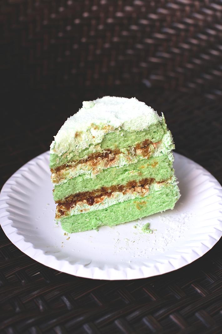 julie bakes ondeh cake