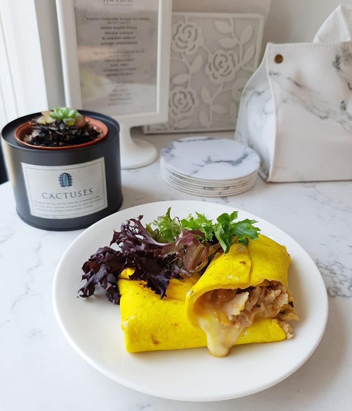 MOD Cafe Thai Chilli Chicken Wrap