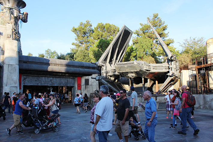 Star Wars Galaxy's Edge Tie Fighter