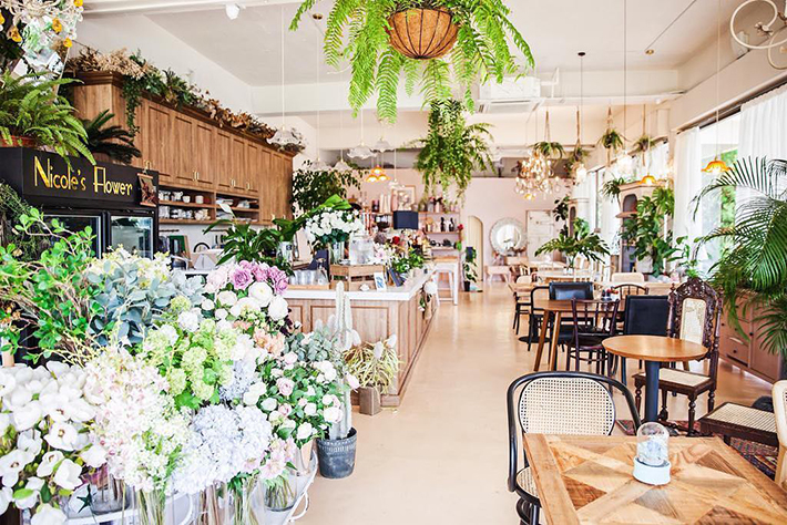 Cafe De Nicole