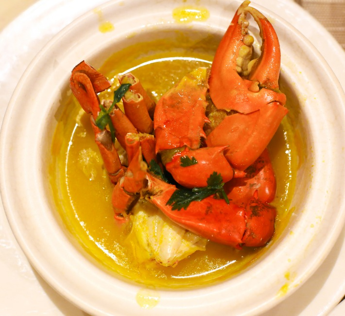 GINGER Crab with Pumpkin Broth