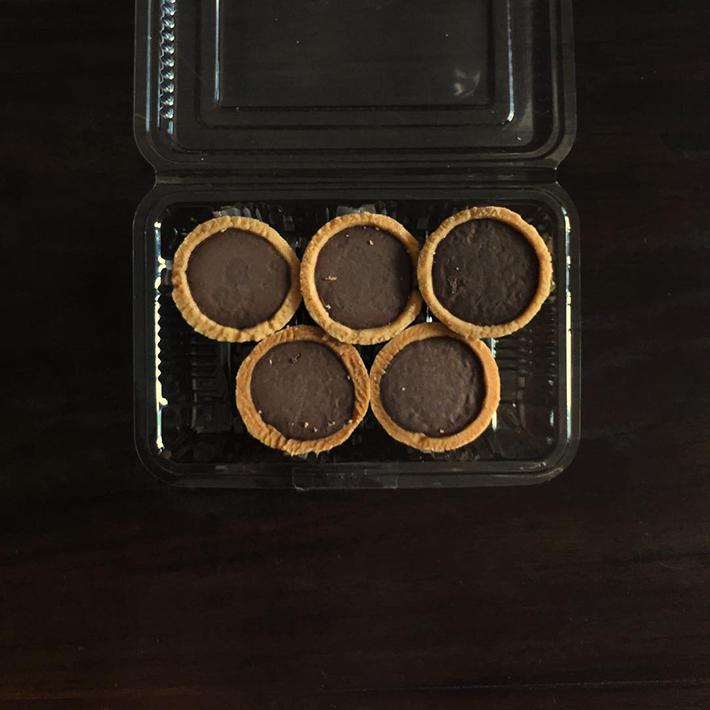 dona manis chocolate tarts