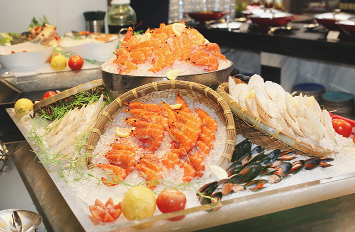 seafood on ice atrium