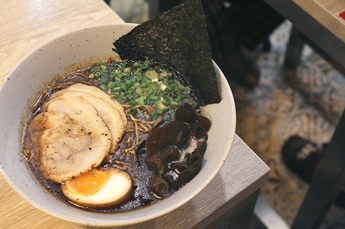 black garlic tonkotsu supparakki ramen
