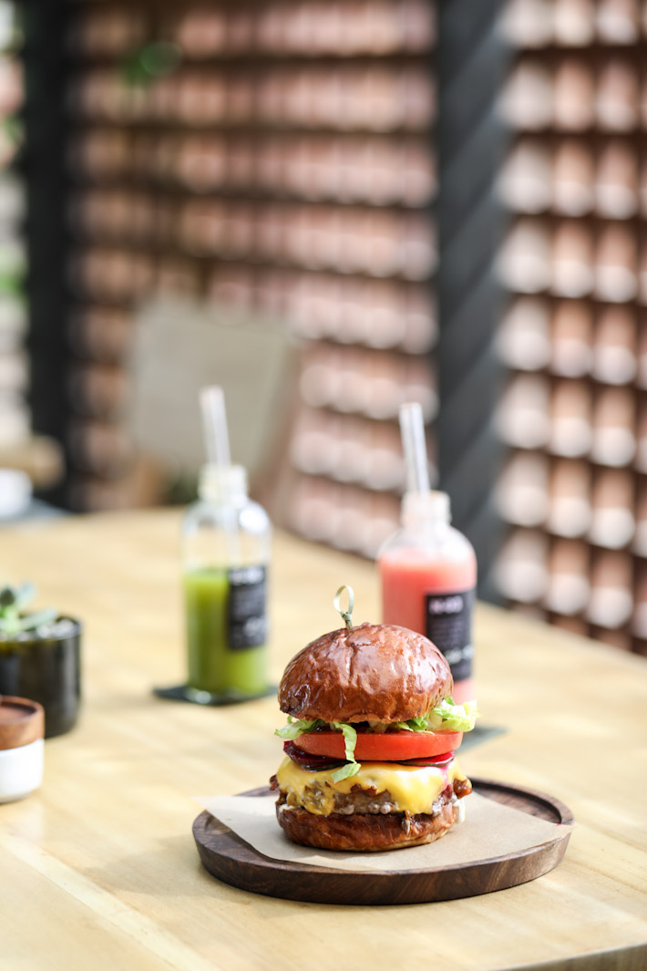 Eat & Drink The Slow Burger