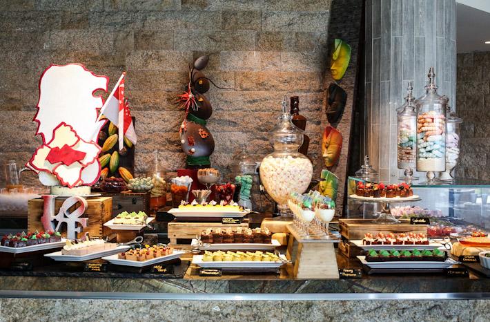 Edge Dessert Table