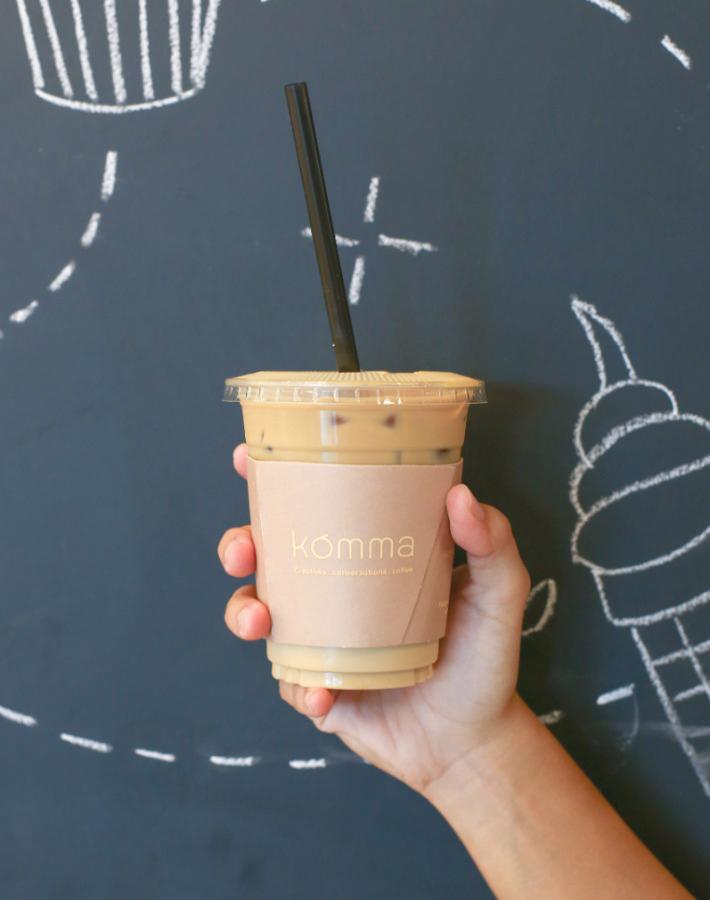 Komma Social Cafe Iced Latte
