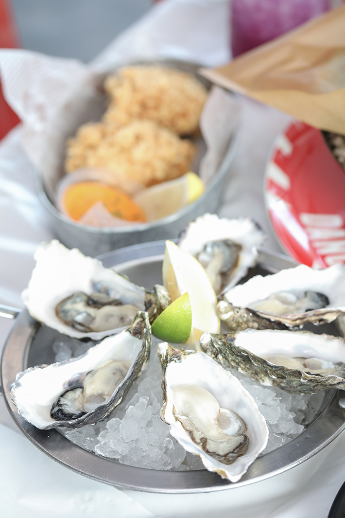 Dancing Crab Oysters