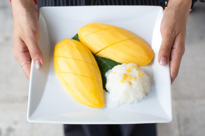 sabai fine thai mango sticky rice