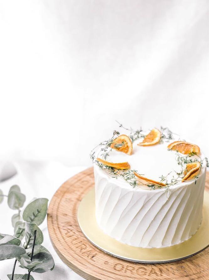 zee & elle vanilla lemon cake