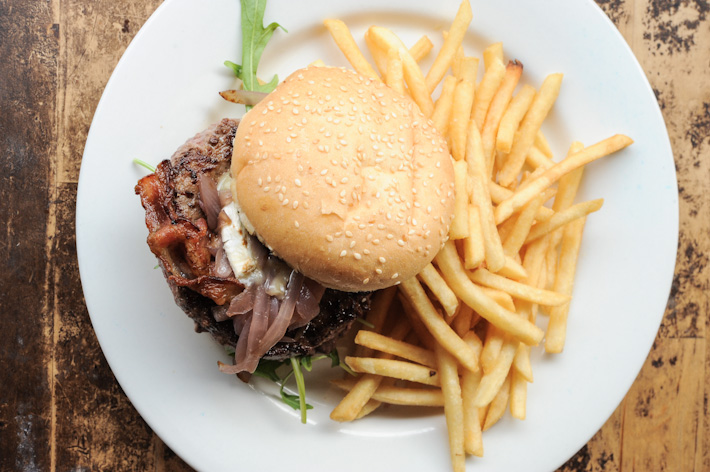 Rider's Cafe Burger
