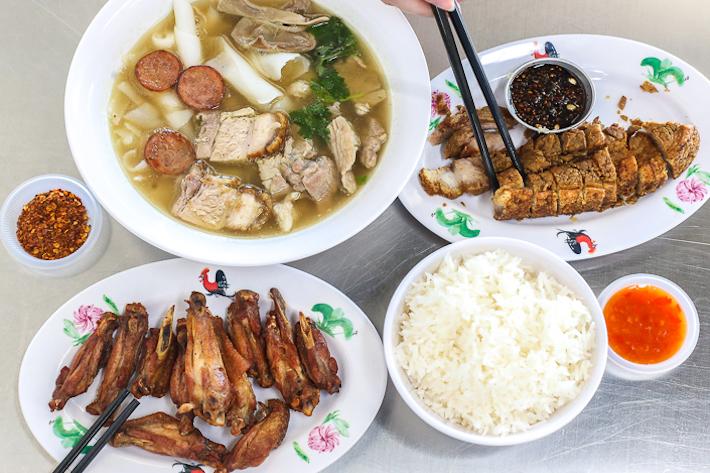 Yaowarat Thai Kway Chap GroupShot