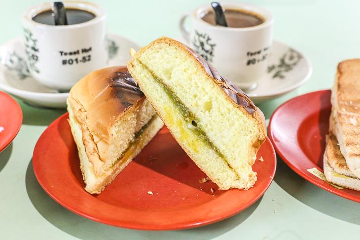 Toast-Hut-Giant-Bun