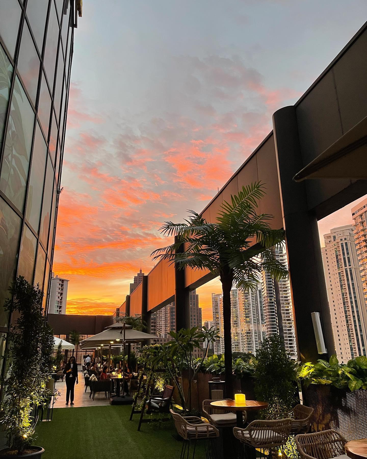 Sky Lido Sunset Views